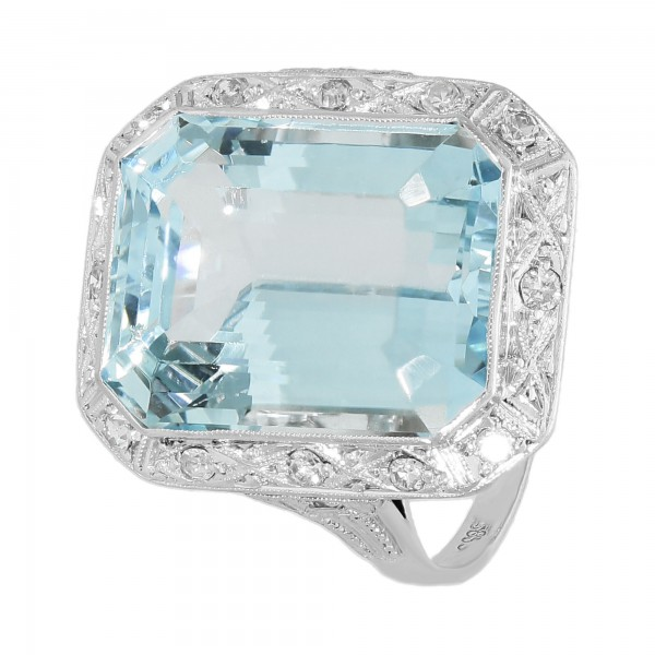 Ring 585 Weißgold mit Aquamarin und Diamanten ca. 0,24 ct.
