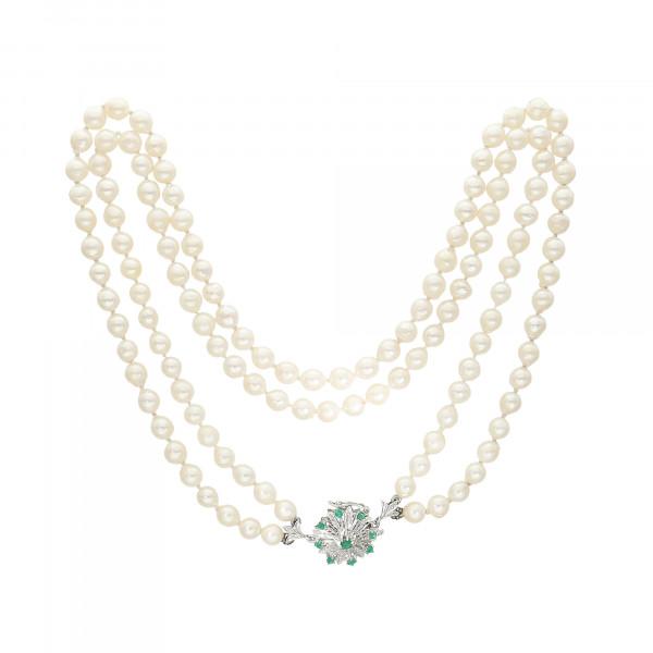 Perlenkette 2 reihig mit Schloß 14 Karat mit 9 Smaragden 124 Perlen